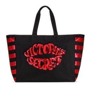 Victoria Secrets Big Lip Bag